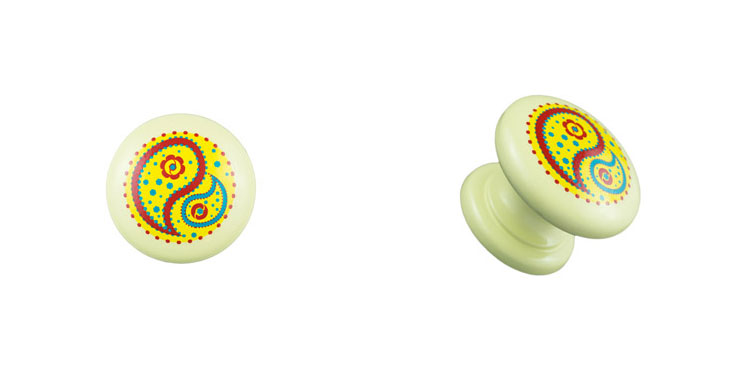 Cream-Knob-with-Yellow-Paisley